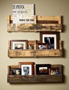 Portaretratos y arte de sala con tarimas de madera reutilizadas