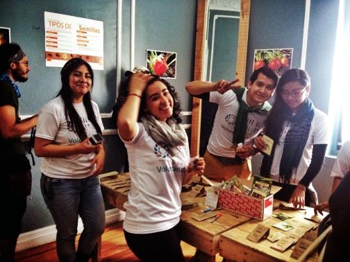 02 Voluntarios Bazar de Semillas